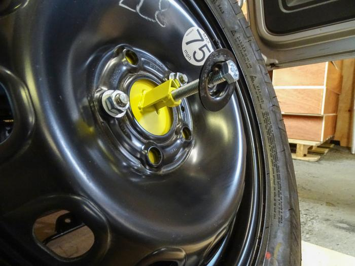 Mercedes Sprinter VW Crafter Spare Wheel Guard